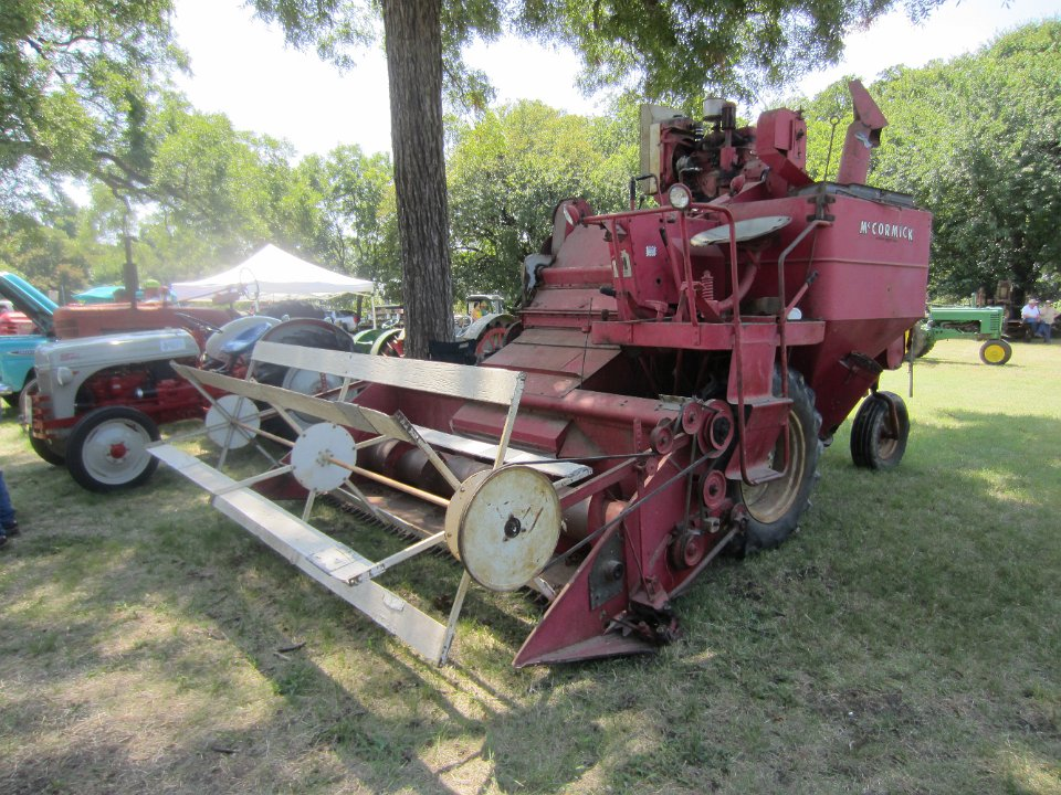 Antique Tractor Shows : Antique tractor show